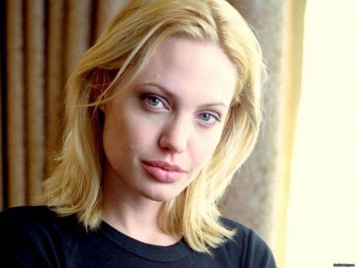 Blonde lesbian natural