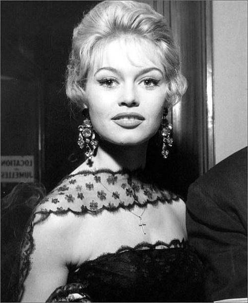 *-*  Brigitte Bardot, 1958
