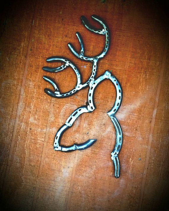 8 Point Buck Head Handcrafted From Welded Horseshoes Rustic Deer Head This Handmade Rustic Deer He Horseshoe Crafts Projects Horseshoe Art Horseshoe Projects