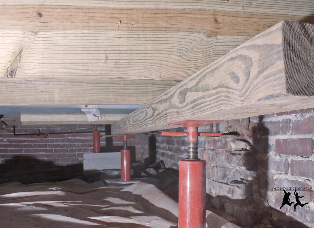 Joist Jacks To Raise Sagging Floor Diy Flooring Home Repairs
