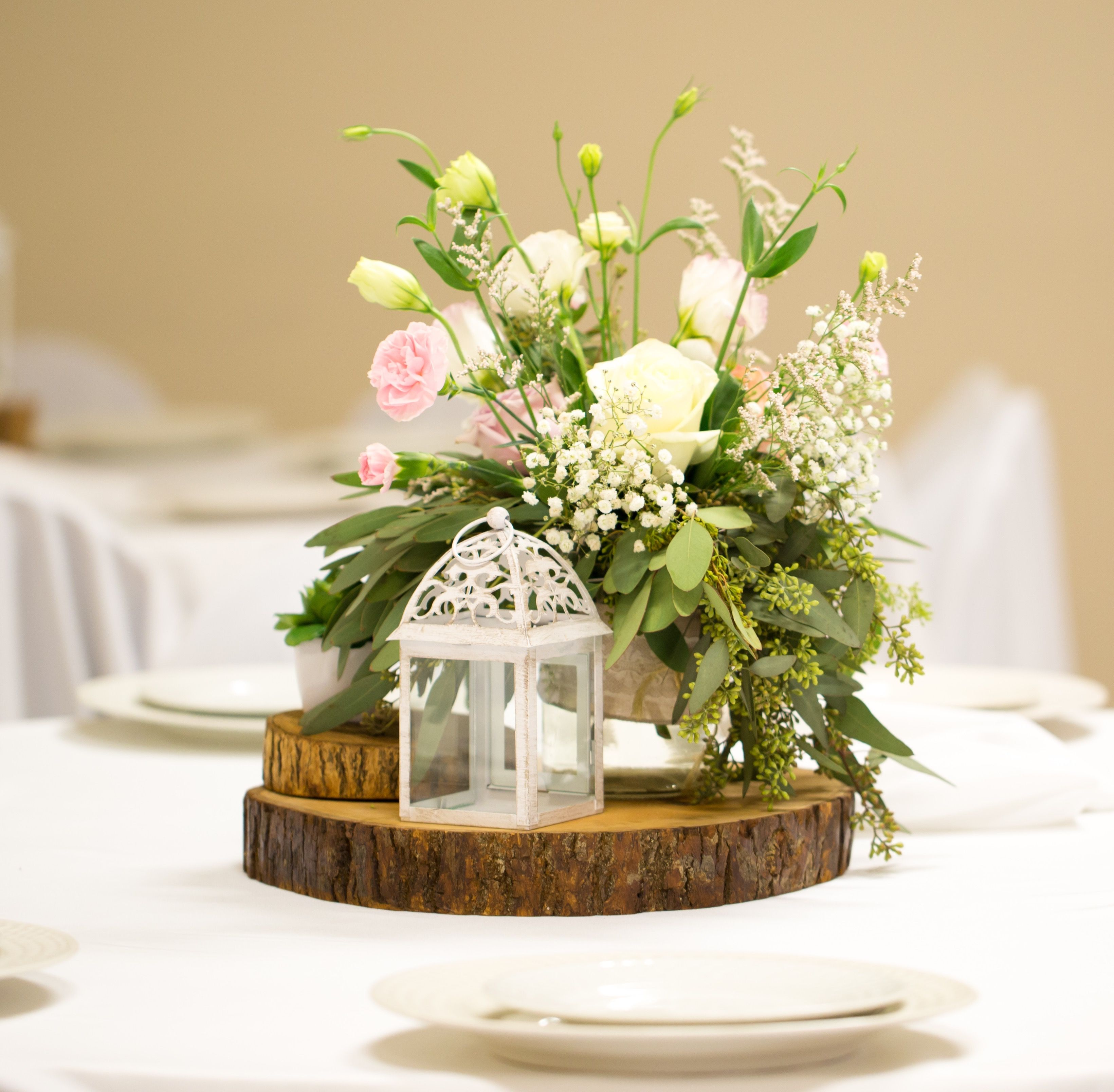 These Wood Slab Centerpieces Will Steal The Show At Any Rustic Wedding Reception Wood Slice Centerpieces Wood Slab Centerpiece Wood Centerpieces