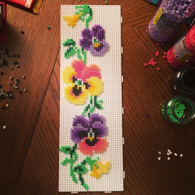 Pin By Michelle Schank On Home Decorating: 季節の生花種類, アクアビーズ 図案