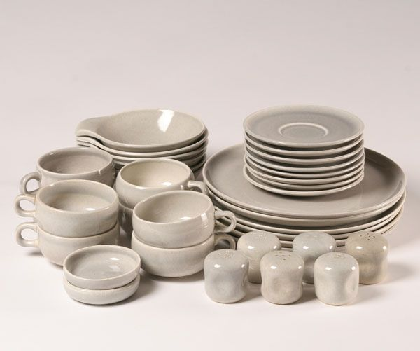 Russel Wright American Modern (Granite Grey); 8 Dinner Plates 8 Cups 8 Saucers 6 Lug Soup and 3 pair salt and pepper shakers & Russel Wright American Modern (Granite Grey); 8 Dinner Plates 8 ...