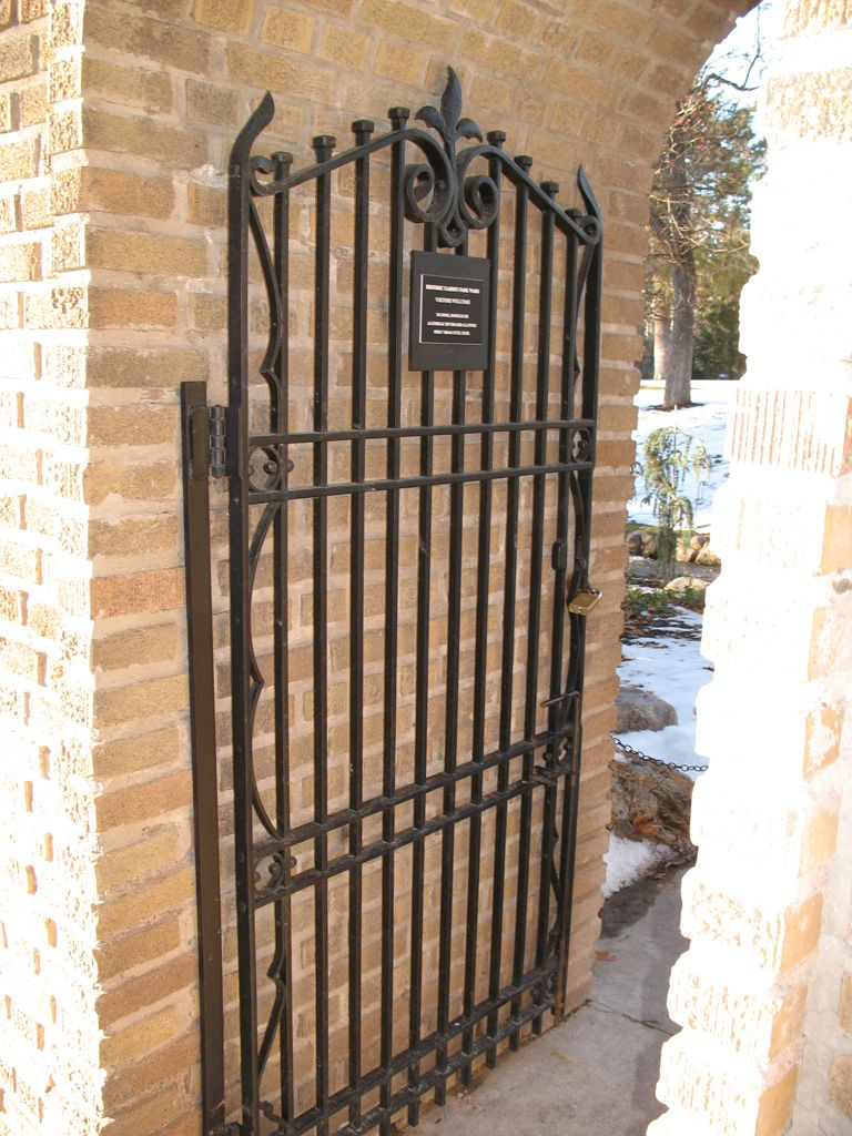19th C Victorian iron garden gate in loop design c1860 : Item # 7309 ...