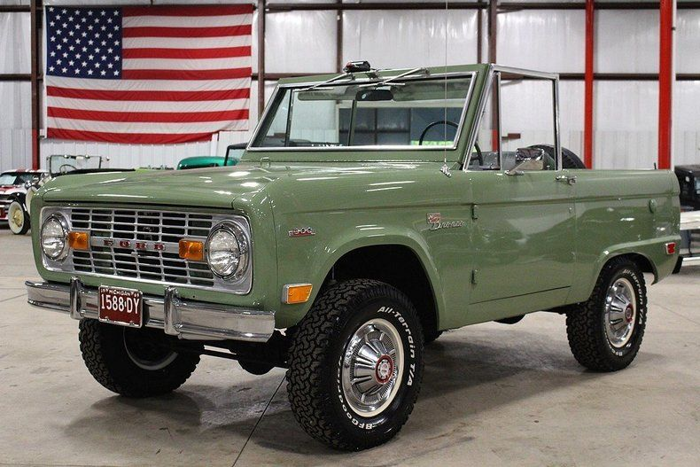 Boxwood Green Bronco With Images Ford Bronco Ford Bronco For