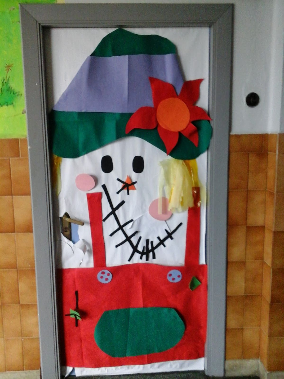 Decoraci n de oto o en el colegio kala y chas colegios for Decoracion puerta otono
