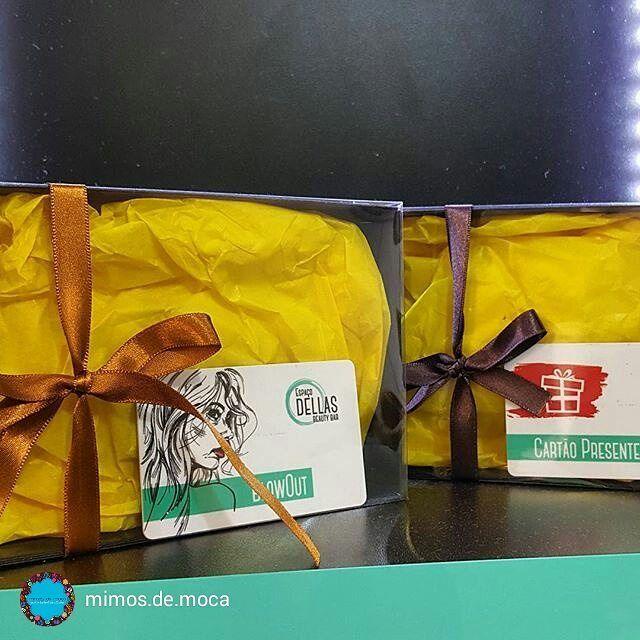 """""""o que dar de presente""""? Olha que máximo essa idéia: cartões de presente com créditos que se transformam em embelezamento. Que mulher não vai amar? #ficaadica #espacodellasbar #giftcard #mimosdemoca #blowOut"""