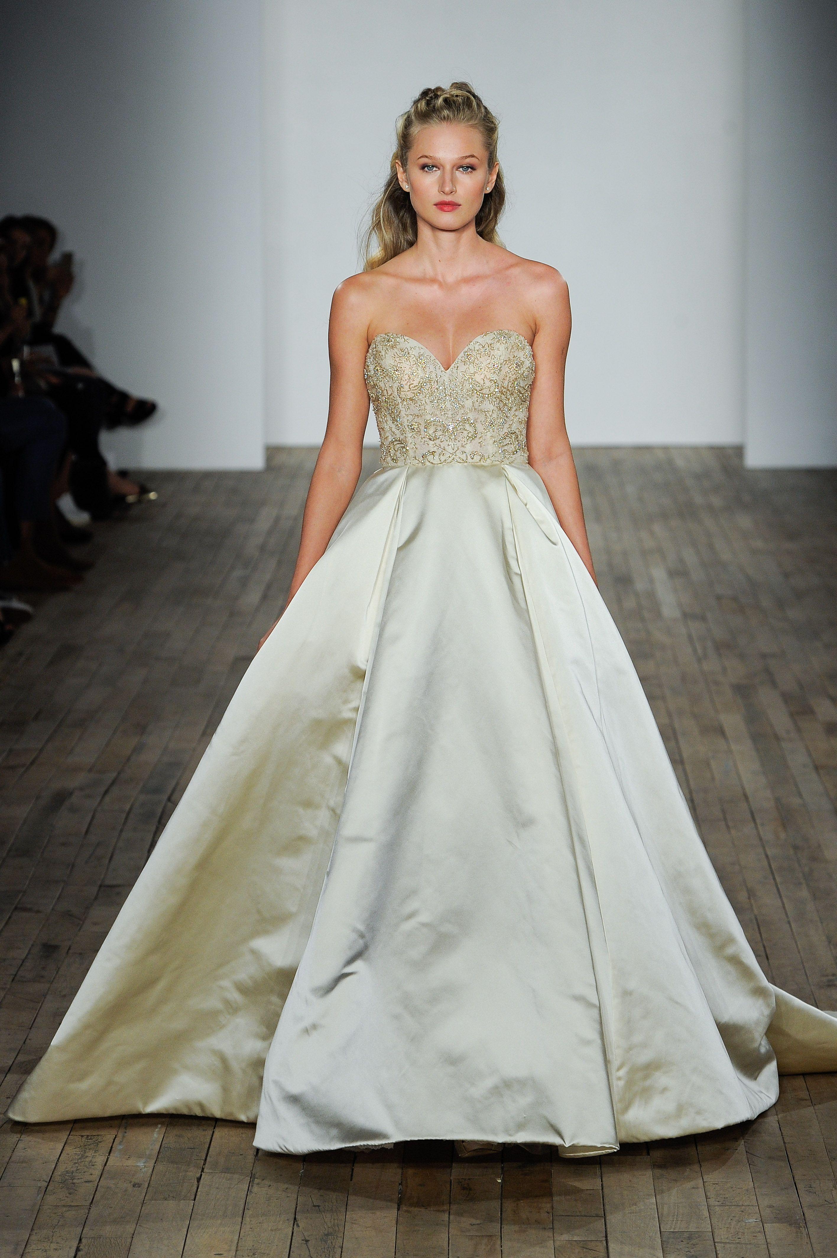 wedding dress trends lazaro wedding dresses