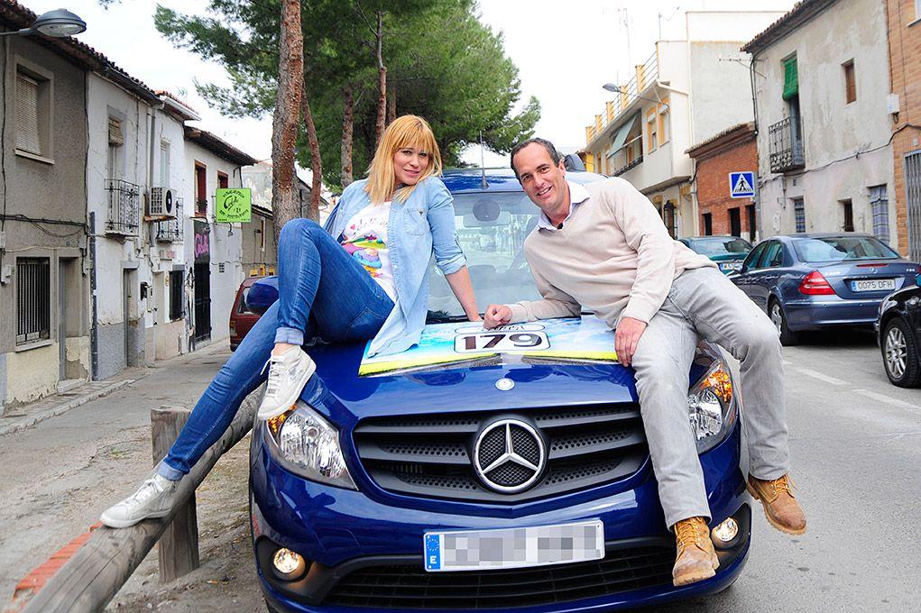 Carla Hidalgo y Santi Acosta, preparados para recorrer los rincones de Madrid.