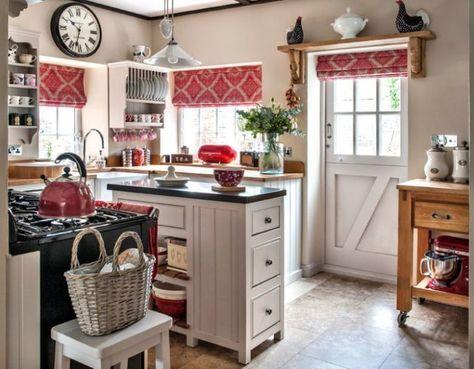 Exemple Petite Cuisine Decoration Rustique Meuble Bois Style Anglais Cottage Shabby Chic Home Accessories Country Cottage Kitchen Galley Kitchen Design
