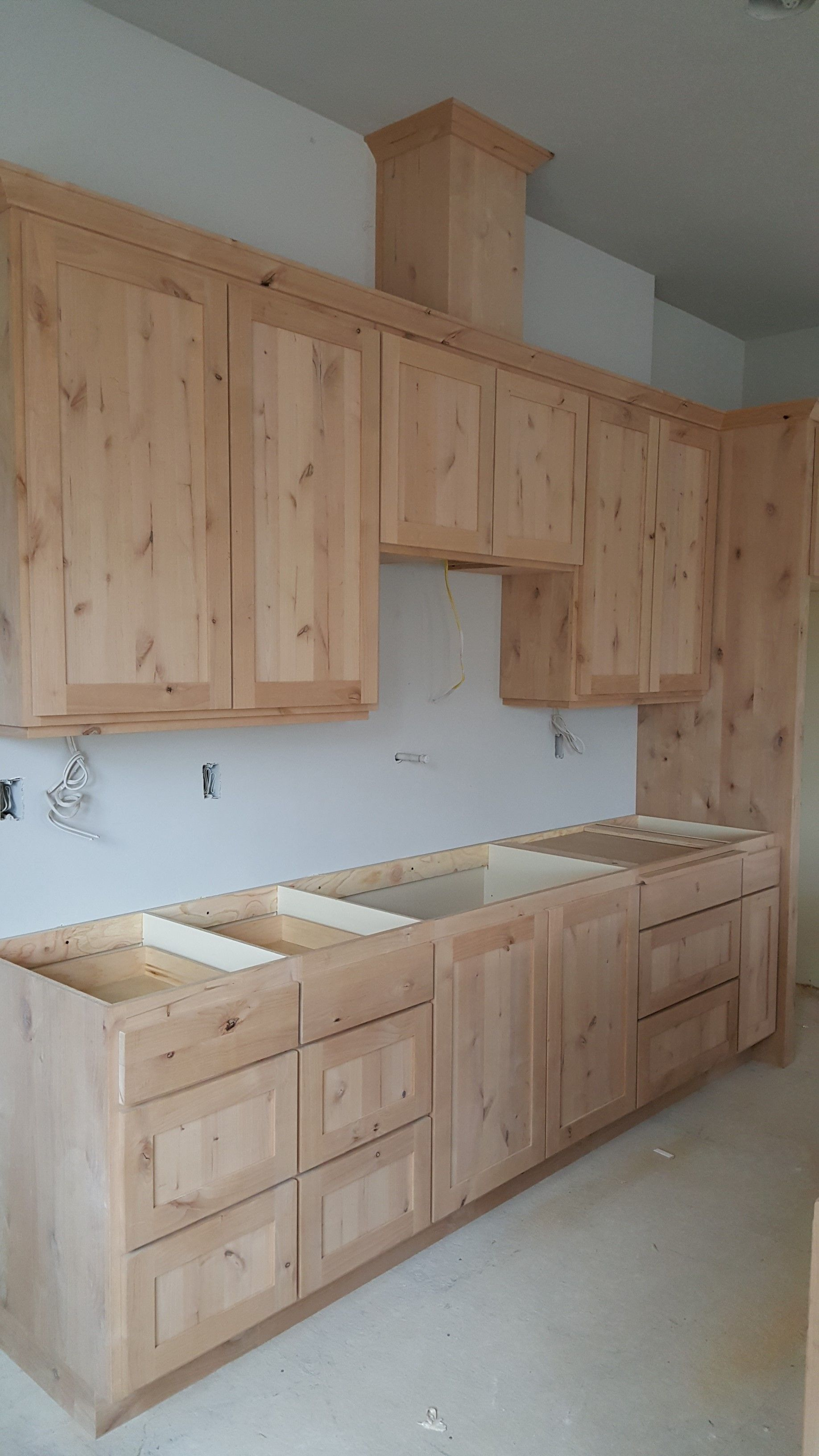 Kitchen Range Run Cabinets Were Built By Neville S Woodworking In Eagle Creek Oregon Kitchen Cabinet Styles Kitchen Cabinet Plans Cheap Kitchen Cabinets