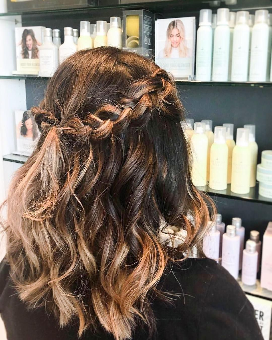 Obsessing Over This Braided Festival Look Cute Hairstyles For Short Hair Short Hair Styles Down Hairstyles