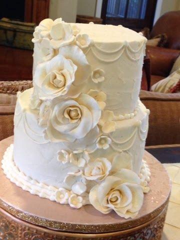 Plumeria Cake Studio Traditional Buttercream Wedding