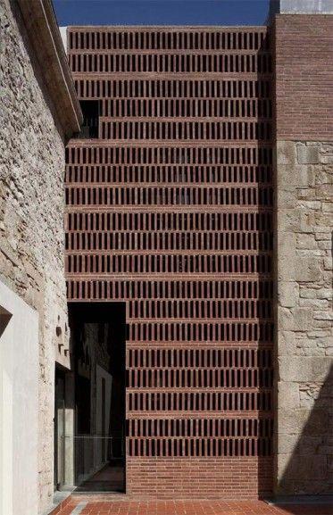 Centro La Seca de Meritxell Inaraja, en Barcelona, España. 2011