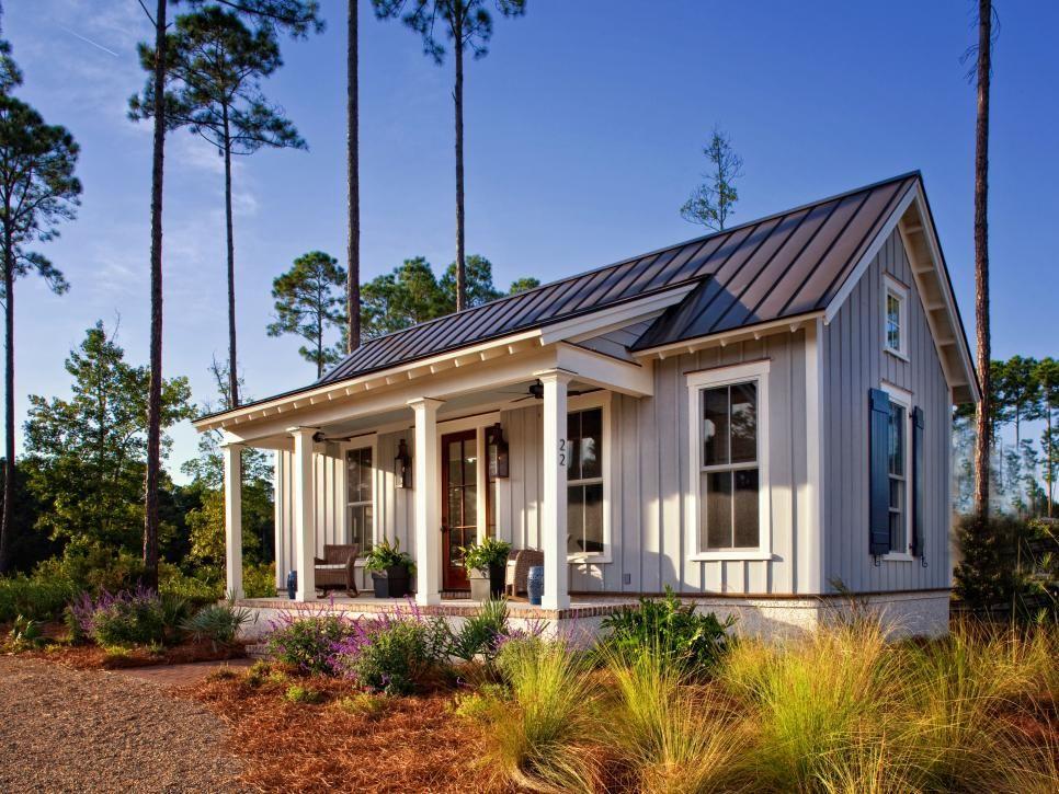 Cozy Farmhouse Cottage Maximizes Use of Small Space #boardandbattensiding