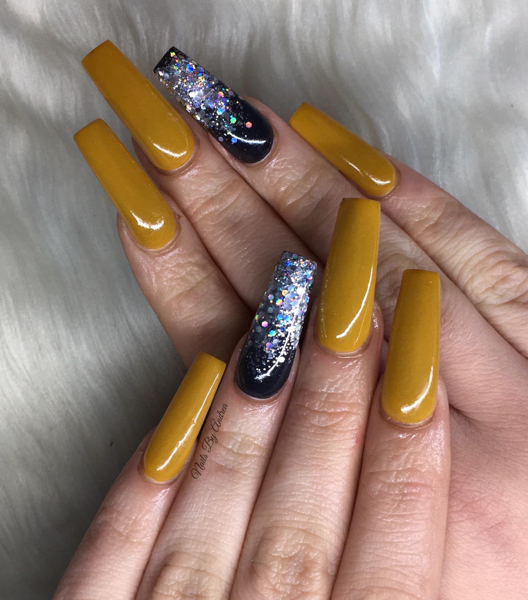 Pin by Jo Capper on Nail Inspo | Glitter nails acrylic ...