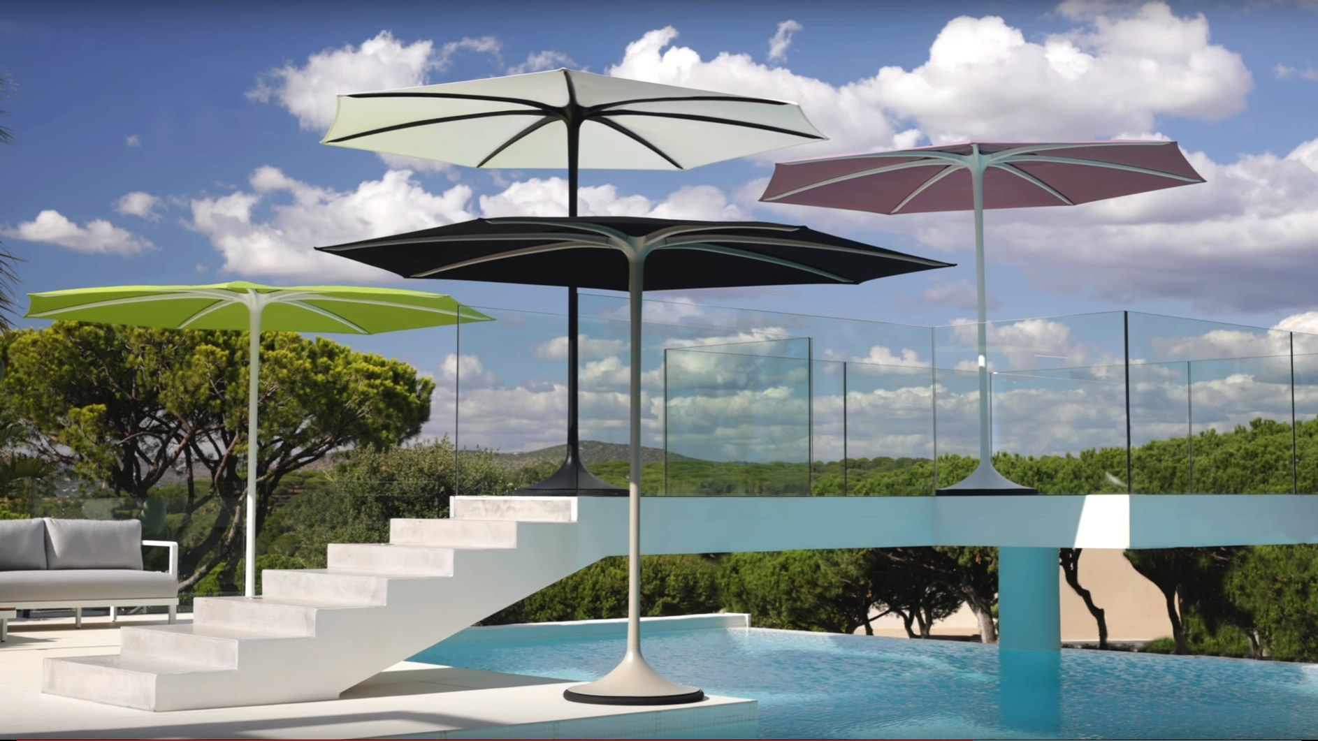 PALMA. The first automatic strutless garden umbrella