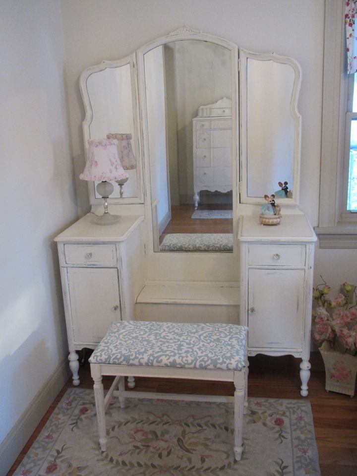 Classic White Vintage Vanity With Tri Fold Mirror And Bench Forever Pink Cottage Chic Shabby Chic Dresser Shabby Chic Shabby Chic Boutique