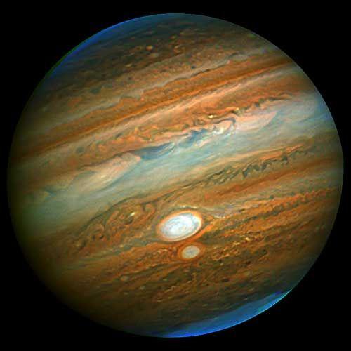 Gemini Captures Close Encounter of Jupiter's Red Spots ...