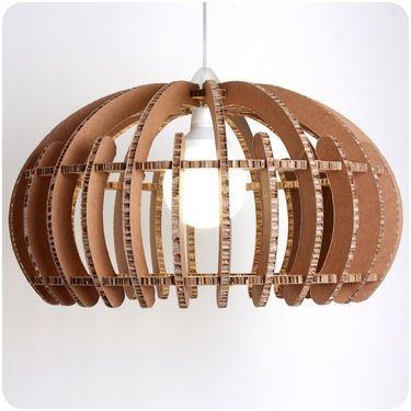 fabriquer un lampadaire en carton voici 20 id es cr atives bricolage nathalie. Black Bedroom Furniture Sets. Home Design Ideas