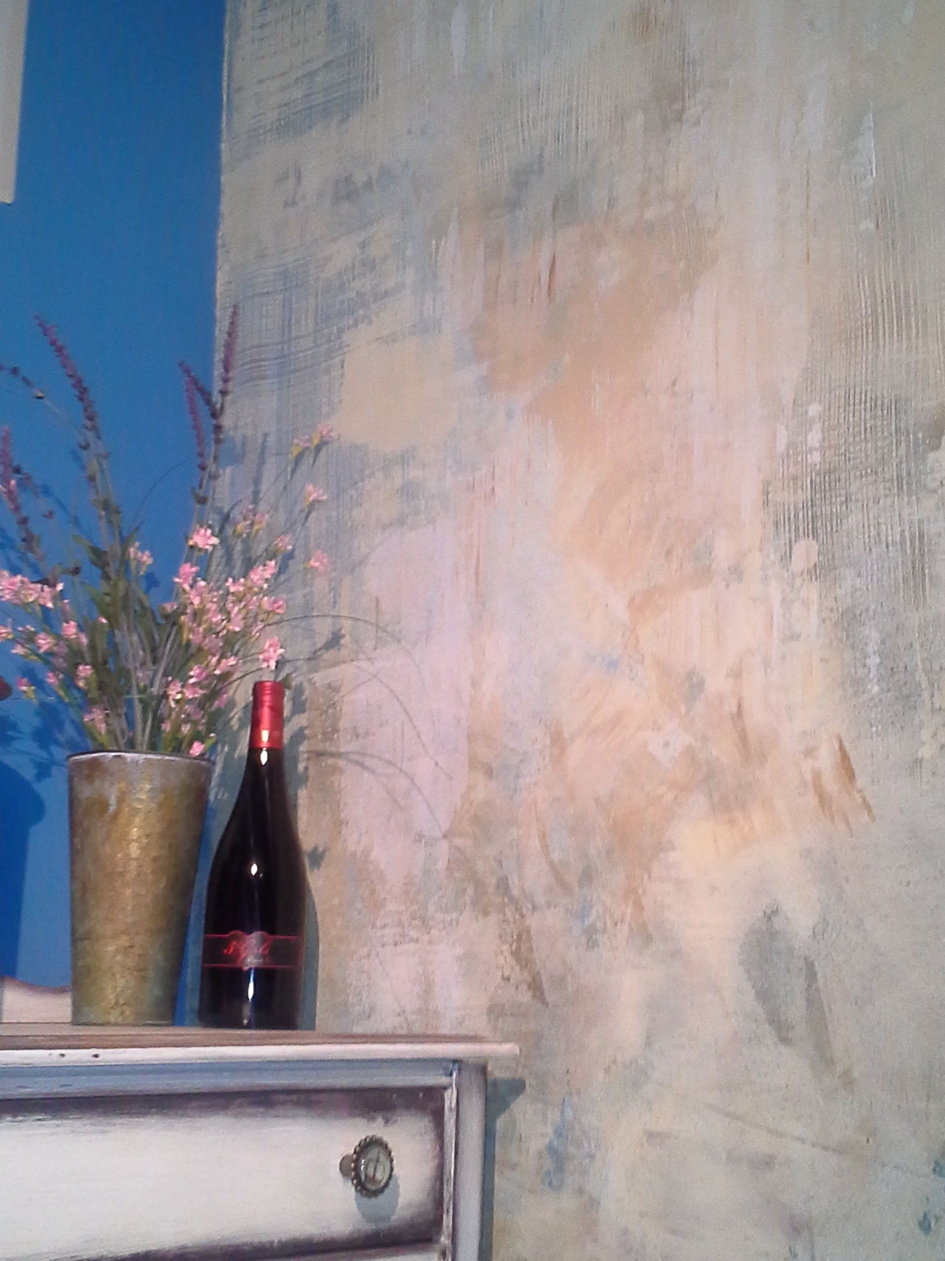 Faux Wall Finish Works Beautifully With The Distressed Furniture And New Anthropologie Look A Lik Faux Finishes For Walls Decorative Paint Finishes Faux Walls