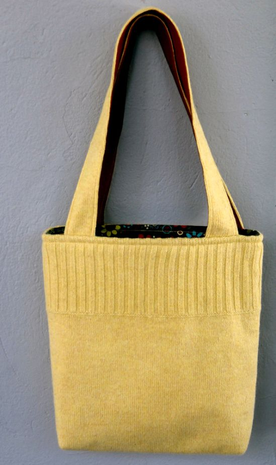 yellow sweater turns into a bag (with pockets!) | photosarah crafts
