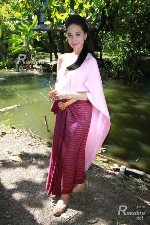 ploychermarn series on tv khunsuek thai dresses