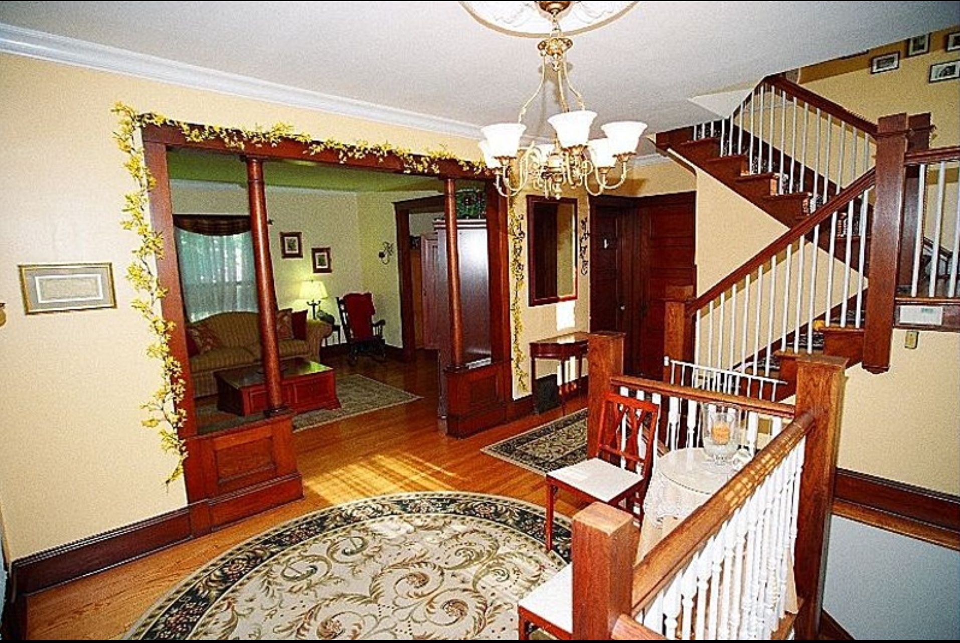 1905 American Four Square Foyer With Images House Styles