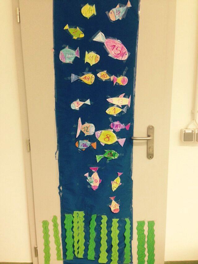 Türdeko Klassenzimmer mit Zahlen-Fischen - 1. Klasse Mathe und Kunst ...