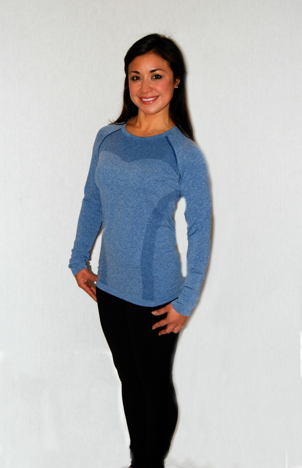 Lightweight, moisture-wicking fabric makes this a perfect layer. Lorna Jane - Raye L/S Seamless Top - Ocean Marl