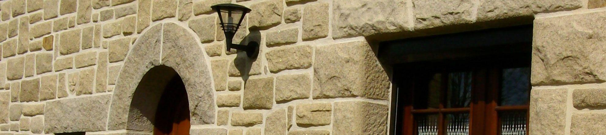 pierres et parements le sp cialiste du travail de la pierre de parement en granit reconstitu e. Black Bedroom Furniture Sets. Home Design Ideas