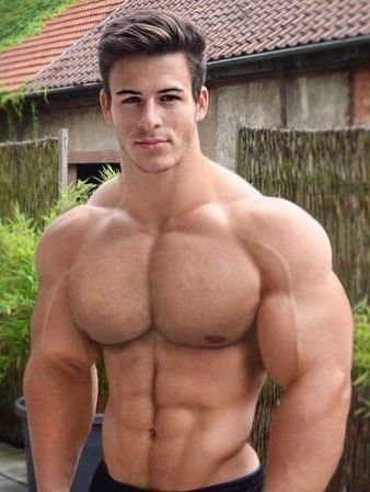 Sex with muscle men