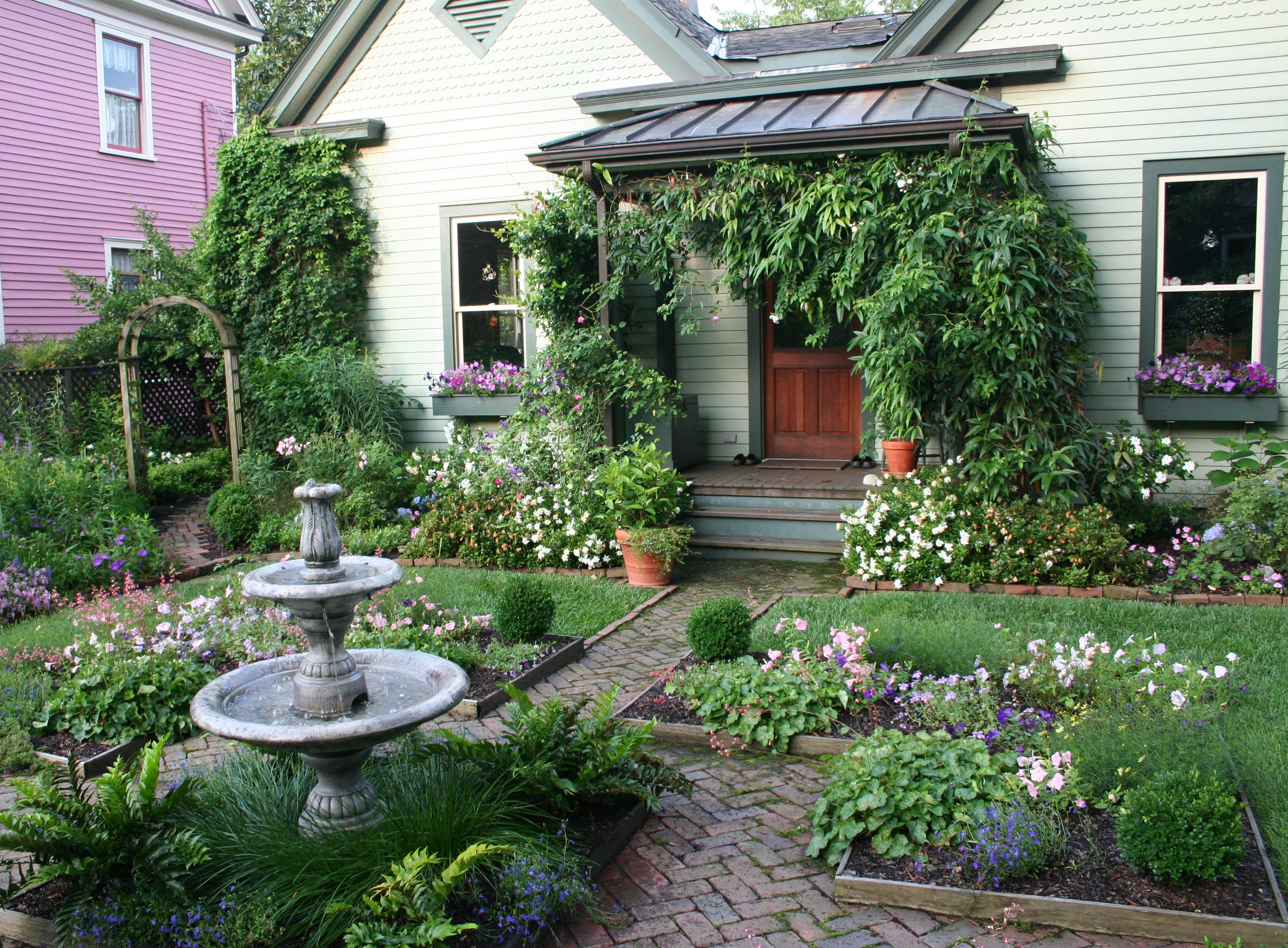 Cottage landscaping ideas cottage garden gardening with for Dream backyard designs