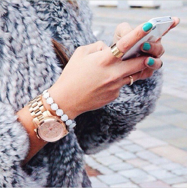 For more street style snaps click here - http://dropdeadgorgeousdaily.com/2013/12/style-breakdown-mel-joyhysteric/
