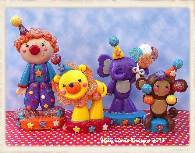 clown, lion, monkey, elephant toppers   Flickr -by Jelly Cakes Designs