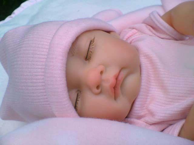 17b849dc1f033 BEBE HABIT nid d ange SUCETTE endormi poupée jouet ou pour faire un reborn  NEUF