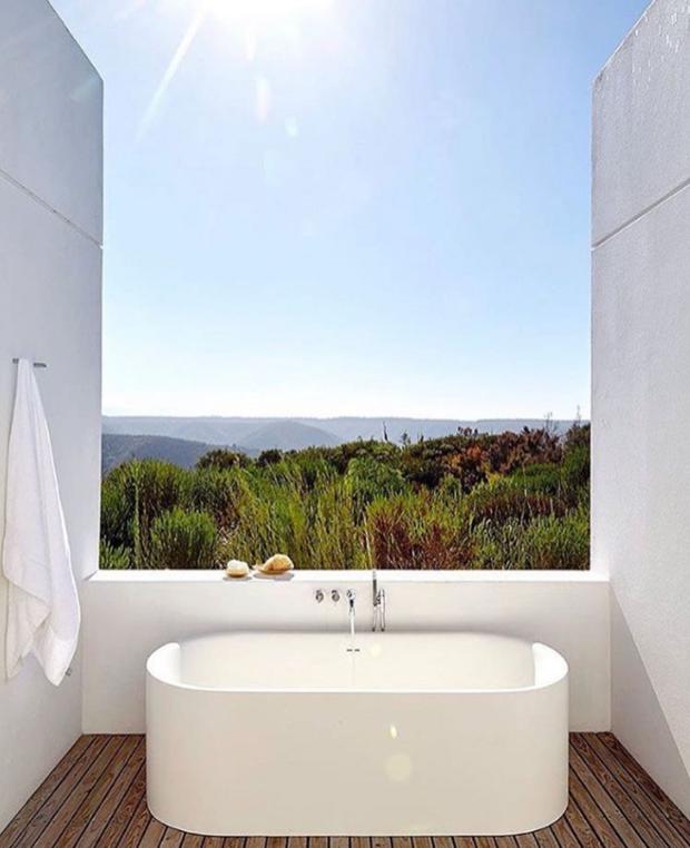Charming 21 Bathtubs Where Weu0027d Soak Up The View. Outdoor BathtubOutdoor  ShowersDream BathroomsBeautiful ...