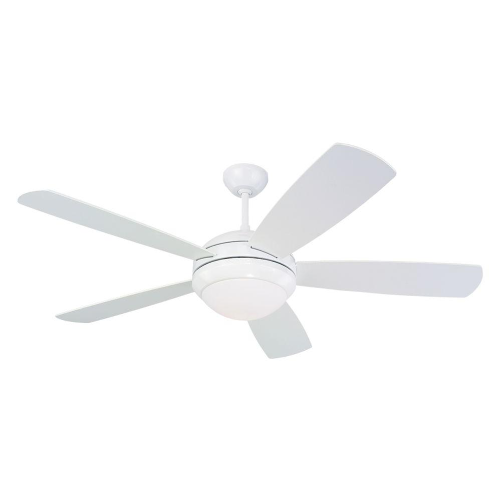 Monte Carlo Discus 52 In Indoor White Ceiling Fan With Light Kit 5di52whd L The Home Depot Ceiling Fan With Light Fan Light White Ceiling Fan
