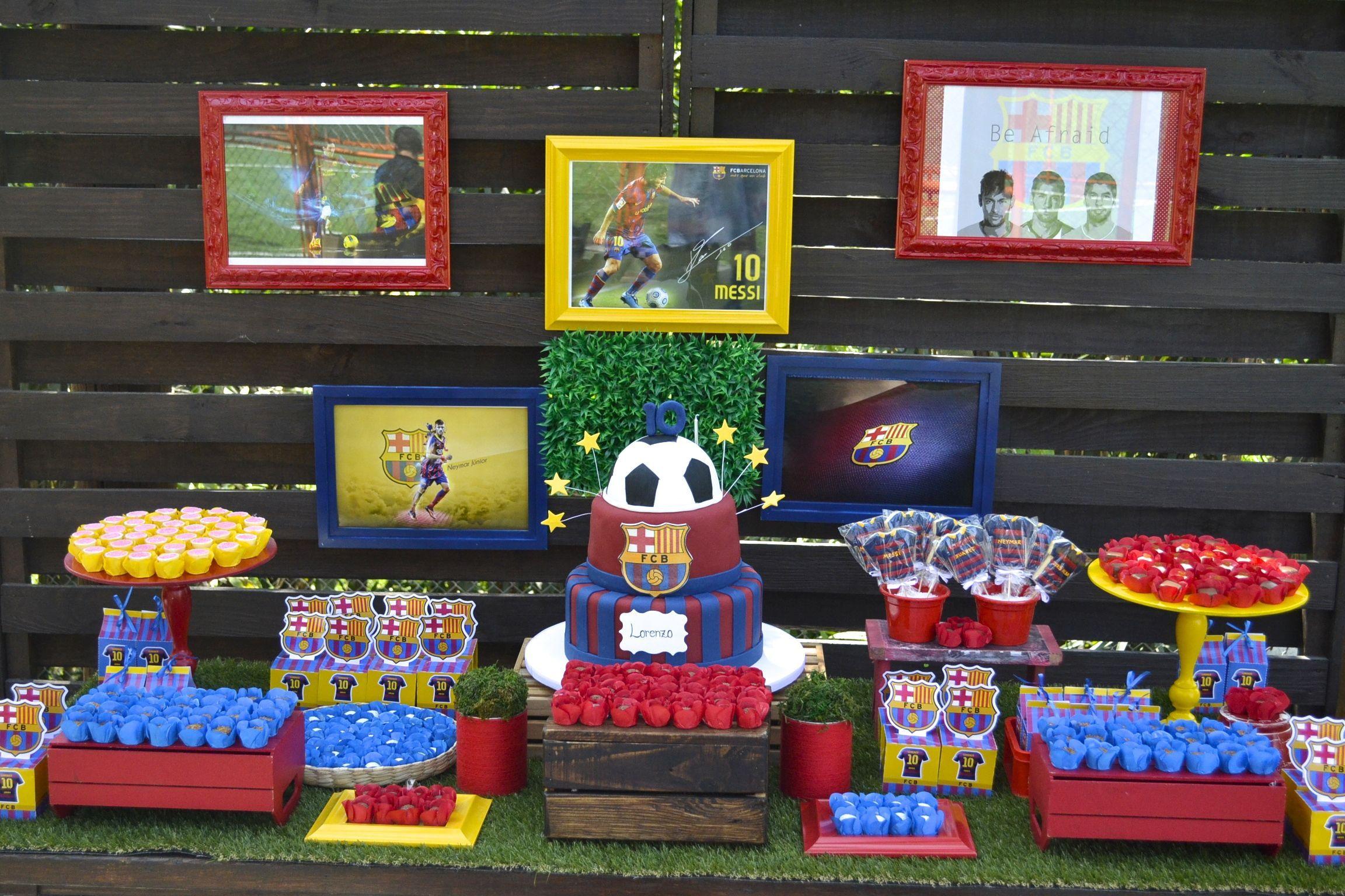 Barcelona soccer desert table Mesa de doces para festa de futebol com tema  Barcelona d48e6cc00e9f1