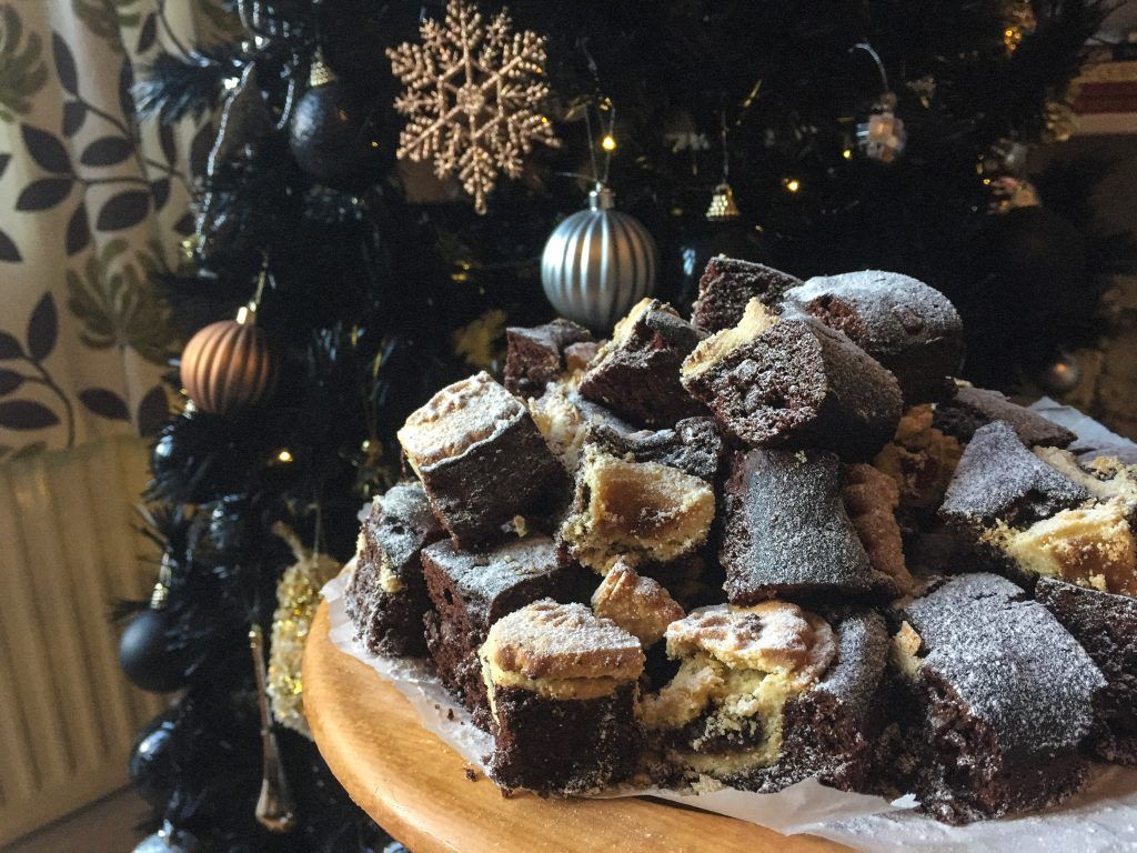 Mince Pie Brownies Mince pies, Christmas pastries, Food