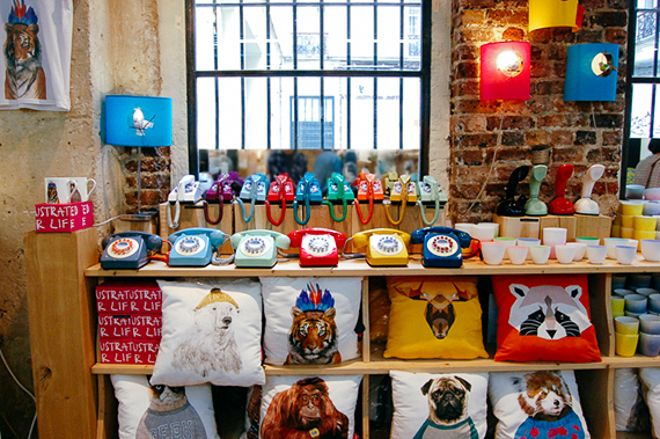 Fleux in le Marais is a great home decor and gift shop in #Paris. #Shopping #Souvenirs #gifts #travel #guide #recommendation #marais #3rdarrondissement #telephone #colorful