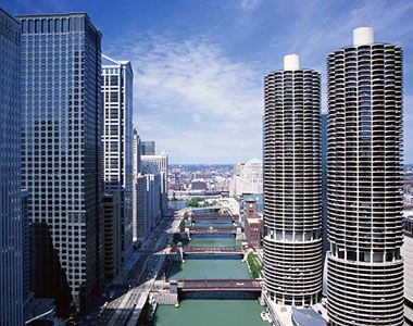 Among The Better Known Chicago Landmarks Are Two 587 Foot Corncob Towers
