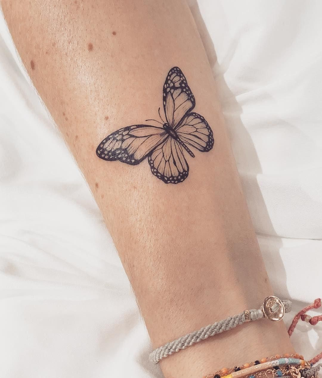 """Carla R  on Instagram: """"A Monarch butterfly for beautiful Jessica in memory of    #cat2 #tattooideasinmemoryof #tattooideasformoms #rosetattooideas #tattooideasfoot #tattooideasankle #tattoosketches #tattooideasbig #beautiful #instagram #memory #carla #monarch #butterfly #jessica"""