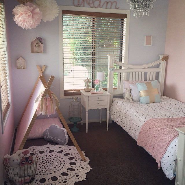 Girly Pink Nursery Decor: Girly Room Pink Pom Poms Teepee
