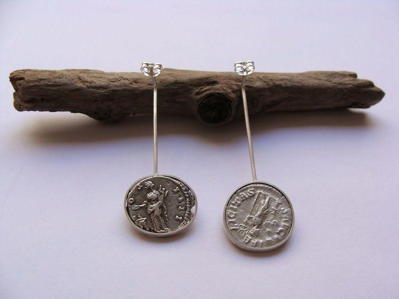 Pendientes con denarios romanos. Earring roman coins.