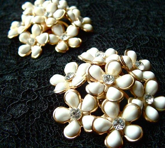 Beautiful Vintage Earrings Grandma Banks Had Some Like