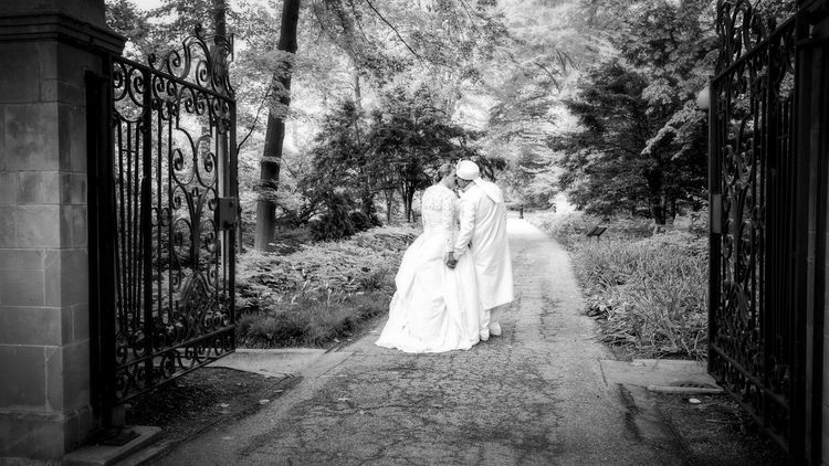 Indianapolis-Museum-of-Art-Wedding-Photographer-Crowes-Eye-Photography-Bride-and-Groom.jpg