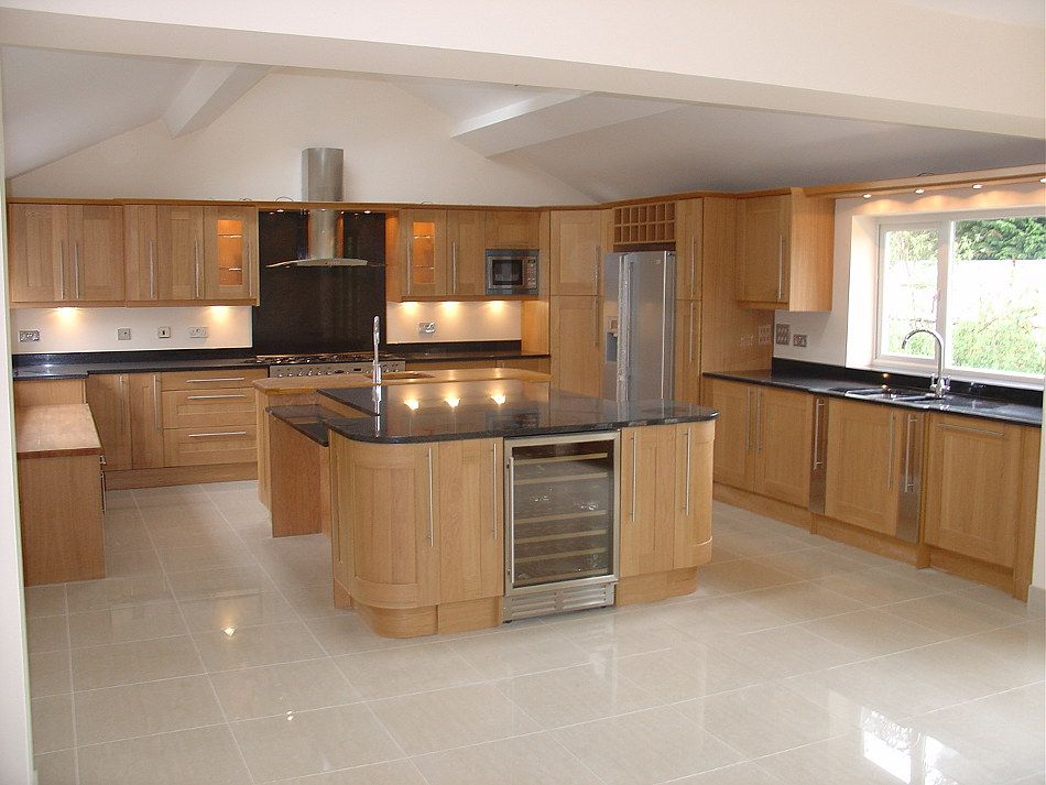 Shaker Style Oak Kitchen With Angola Black Granite Part 44