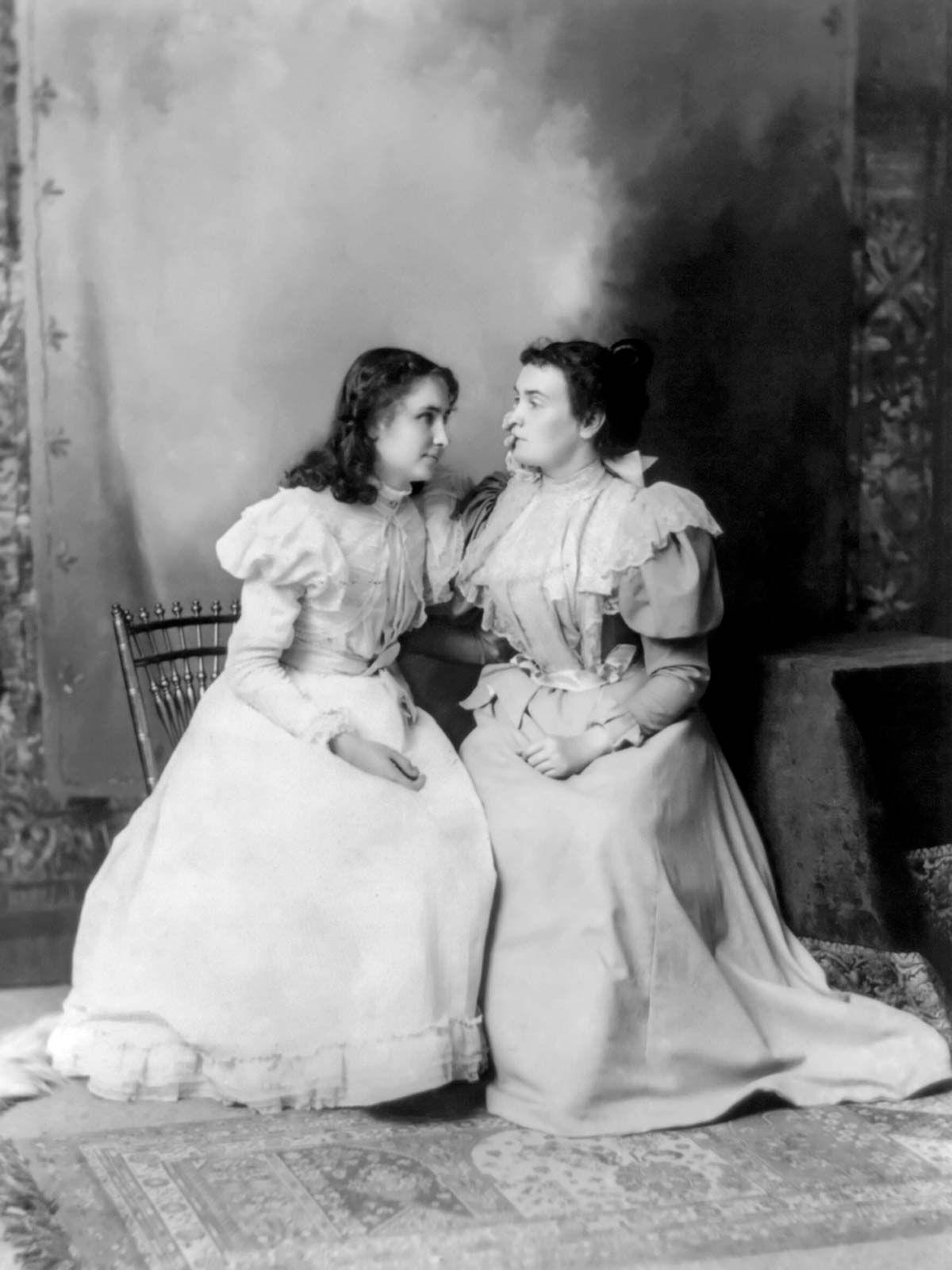 Macy Anne Sullivan Helen Keller With Anne Sullivan