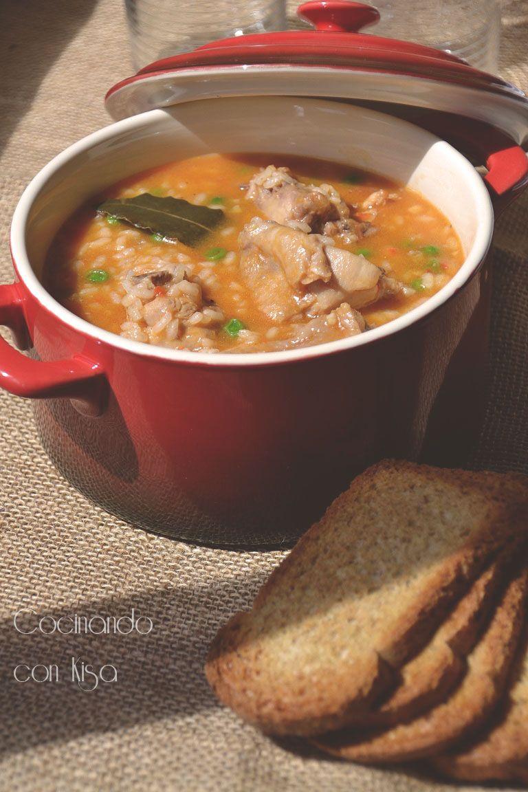 Arroz con pollo  http://cocinandoconkisa.blogspot.com.es/2012/09/arroz-con-pollo-thermomix.html